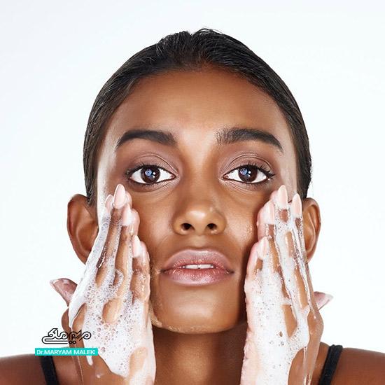 شست و شو صورت با پن برای درمان آکنه
